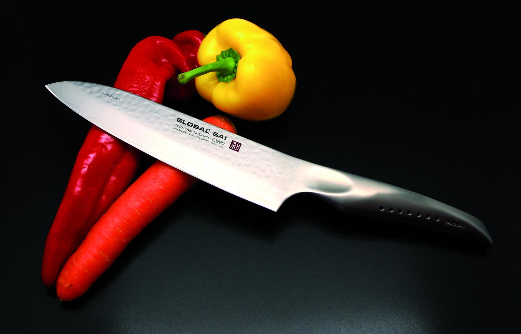 Global SAI Messer mit Paprika